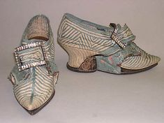 British Shoes     1740s     linen, silk, leather