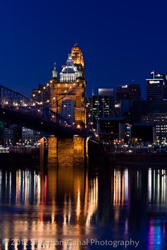 With some recent downtime, I set out to photograph the Roebling Bridge and downtown Cincinnati, Ohio with Jayson Gnomes of Cincy Images. It was a fantastic sunset from the Covington, Kentucky riverfront.