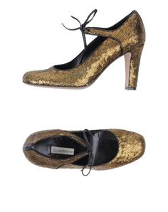 L' AUTRE CHOSE Pump. For the librarian out on the town.