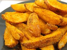 Cartofi crocanti la cuptor Onion Rings, Sweet Potato, Good Food, Food And Drink, Potatoes, Vegetables, Ethnic Recipes, Pie, Potato