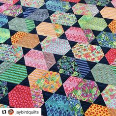 #Repost @jaybirdquilts ・・・ Introducing Comet, my new Hex N More pattern! Great for fussy cutting your big favorite focal prints. Fabric is Tabby Road by @TulaPink, #quilting is by @quiltingismybliss. #CometQuilt #HexNMore #JaybirdQuilts #TulaPink #TulaPinkTabbyRoad #FussyCut #FussyCutting #TulaTroops