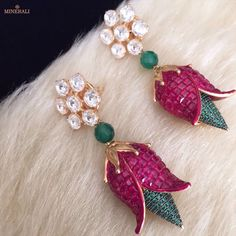 Wear elegance with these subtle and modern floral earrings embellished with pretty stones in bold colours. By Ra Abta, available at Minerali. Diamond Jewelry, Gold Jewelry, Jewelery, Indian Wedding Jewelry, Bridal Jewelry, Gold Jhumka Earrings, Gold Jewellery Design, India Jewelry, Simple Jewelry