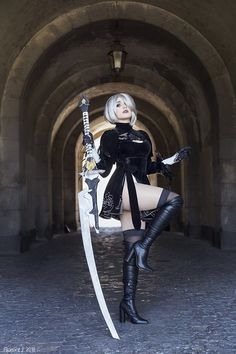 Nier Automata 2b  cosplay by Kotori Cosplay photo by @Floren.J photographie #nier2bcosplay #cosplaygirl #cosplayclass #costume #nierAutomata