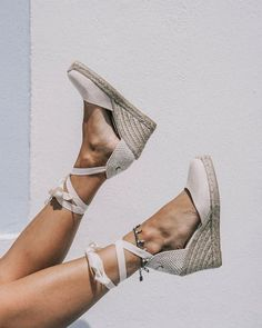 Endless love for espadrilles, so versatile and chic - Summer Shoes Wedge Shoes, Women's Shoes, Me Too Shoes, Shoe Boots, Prom Shoes, Golf Shoes, Platform Shoes, Flat Shoes, Ankle Boots