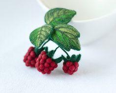 Red Raspberry Brooch / red berries brooch / felt berries pins / red pins / woodland pins / raspberry jewelry / original gift for woman / handmade