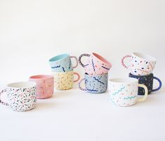 Many design trends seem to come in and out of fashion on a regular basis but one that I am very happy seems to be here to stay is handmade and playfully patterned ceramics such as those made by Melbourne based ceramicist Leah Jackson. Pottery Painting Designs, Paint Designs, Mug Designs, Pottery Mugs, Ceramic Pottery, Crackpot Café, Cerámica Ideas, Diy Mugs, Memphis Design
