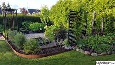 rhododendron rabatt Flyttade in vrt hus julen 2010 - Side Garden, Garden Oasis, Garden Edging, Front Garden Landscape, Garden Landscaping, Pergola Patio, Backyard, Pretty Landscapes, Patio Deck Designs