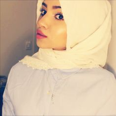 Another simple Turkish hijab style. It literally takes 30 seconds to do  #hijab #hijabfashion #hijabtutorial #hijabstyle #hijabvideo
