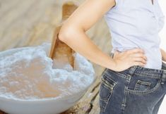 This is the Proper Way to Prepare Baking Soda to Melt Belly, Thigh, Arm and Back Fat! - World Health Guide Baking Soda Shampoo, Baking Soda Uses, Want To Lose Weight, Lose Fat, Loose Weight, Extreme Hair Growth, Hair Mask For Growth, Back Fat, Natural Kitchen