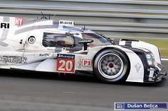 Porsche 919 Timo Bernhard (D)/Mark Webber (AUS)/Brendon Hartley (NZ) D Mark, Mark Webber, 24h Le Mans, Porsche, Racing, Album, Cars, Vehicles, Running