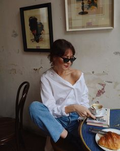 How To Wear White Shirt Fashion Trendy Ideas Tomboy Fashion, Look Fashion, Fashion Beauty, Tomboy Chic, Fashion Images, Fashion Photo, Style Outfits, Fashion Outfits, Easy Style