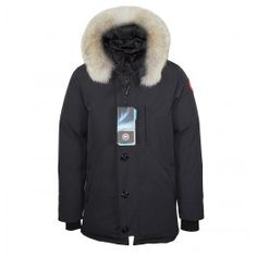 The Chateau Parka from Canada Goose is a simple, yet classic style parka making this the go-to winter coat for men. With a high TEI rating and a removable coyote fur hood, the Chateau Parka provides traditional Canada Goose cold weather protection. At the same time, its trimmer, more modern fit and front button detailing gives it a modern, urban look.      Fit: Slim Insulated  Removable Coyote Fur Ruff  Fill: 625 fill power white duck down  £649