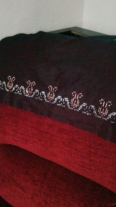 This Pin was discovered by Giz Weaving Patterns, Hand Embroidery, Diy And Crafts, Sewing, Crossstitch, Couture, Web Patterns, Fabric Sewing, Sew