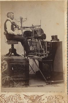 One man band with piano, trumpet, and other instruments. Antique Photos, Vintage Pictures, Vintage Photographs, Old Pictures, Vintage Images, Old Photos, Humorous Pictures, Best Guitar Players, Photo Vintage