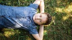 Отец 12-летнего мальчика, клинический психолог Серж Тиссерон лучше многих представляет себе, насколько нелегко сегодня быть подростком. По просьбе Psychologies он написал это письмо, адресованное всем подросткам, мальчикам и девочкам.