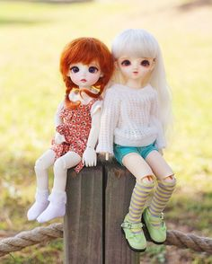 """""""디에나 & 나봄이 (Owner.유운)  . . #linachouchou #macaron #linachouchoumacaron #glib #emma #glibemma #doll #bjd #balljointeddoll #hobby #dollstagram #리나슈슈 #마카롱…"""""""