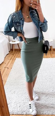 green mini skirt - outfits , green mini skirt Source by outfits_hunter., , 45 Fantastic Spring Outfits You Should Definitely Buy / 020 Spring Skirts, Spring Outfits, Spring Dresses, Spring Wear, Autumn Outfits, Holiday Outfits, Look Fashion, Skirt Fashion, Fashion Spring