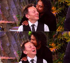 Michael Emerson and Naveen Andrews. LOOK AT THAT FACE. HE IS KISSING HIS HEAD, THEY ARE IN LOVE!