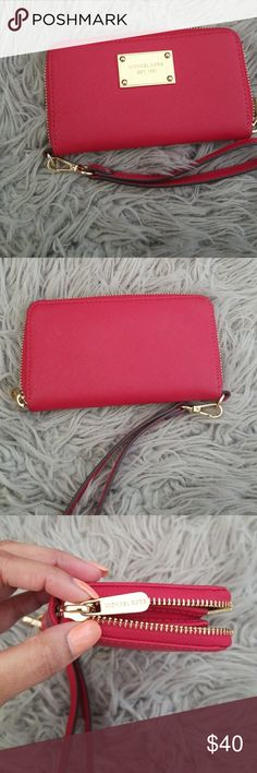 Michael Kors wristlet. Authentic Red Michael Kors wristlet. Used a few times. Like new. Bags Clutches & Wristlets