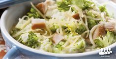 Broccolistamppot met gerookte kip afbeelding Lidl, How To Cook Potatoes, One Pan Meals, Broccoli, Cabbage, Food And Drink, Soup, Chinese, Vegetables