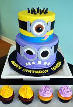 Divertida torta para celebración de cumpleaños Minions. #torta #Minions