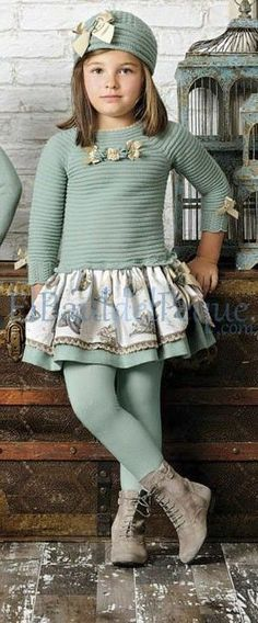 www.elbauldelpeque.com #carmentaberner envio gratis ¿Aún no conoces nuestra tienda online? A qué esperas!!!! #moda #fashionblogger #vestidos #ropa #kids #saudi #ArabieSaoudite #girl #shopinshop #style #kids #Modainfantil #blogmoda #children #niños #Estilo #sport #ModaEspañola #ropainfantil #vestirbien #Lamartinica #lolittos #lamarquesitareal #MaritaRial Tween Fashion, Winter Fashion Outfits, Cute Outfits For Kids, Outfits For Teens, Little Girl Dresses, Girls Dresses, Kind Mode, Classy Outfits, Baby Dress