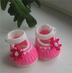 Botines tejidos a crochet para bebe09