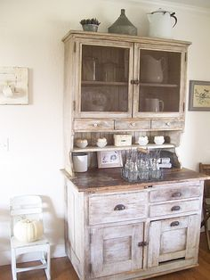 I would kill for this great piece of furniture!     (Photo is from the Secret Garden Cottage Blogspot)