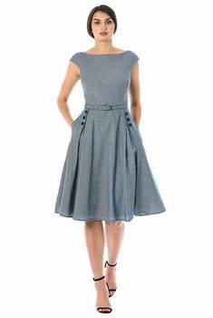 Fashion Tips For Women In Their Large buttons highlight the wide box-pleat skirt of our cotton jacquard dress styled with a boat neck and removable self belt at the seamed waist. Modest Dresses, Pretty Dresses, Casual Dresses, Summer Dresses, Casual Outfits, The Dress, Dress Skirt, Bon Look, Dress Outfits