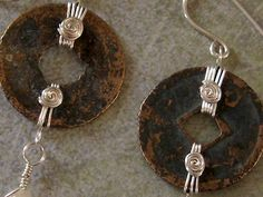 Designing the Back of Your Jewelry  Vidoe & text from Rita Klingenberg