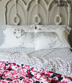 Dachshund Pillowcase Set - Aéropostale®