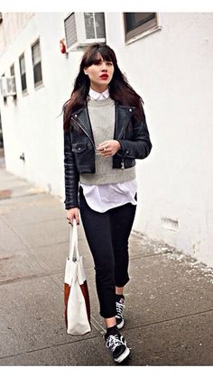 Minimalist outfit, layering and vans old skool //