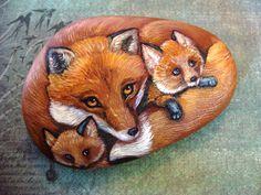 FelsenOriginal handgemalte Felsen Fox Family of von Naturetrail, $125.00