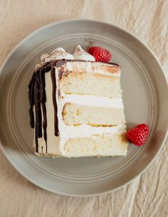 What's the Difference Between White, Yellow, and Vanilla Cake? Need-to-know cake trivia for any home baker!
