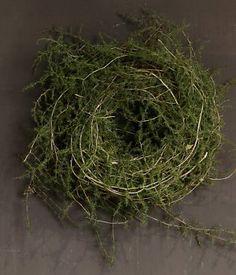 Asparagus krans Diy Christmas Garland, Prim Christmas, Diy Garland, Christmas Tree Themes, Christmas Mood, Xmas Decorations, Holiday, Christmas Crafts, Noel Gifts