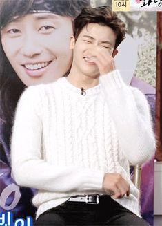 Hyungsik laughter make my heart smile☺...hemmm