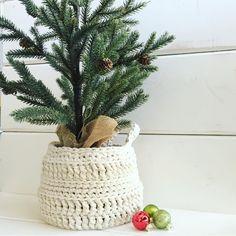 296 Likes, 64 Comments - ⓔⓡⓘⓝ Diy Crochet Basket, Crochet Basket Pattern, Cute Crochet, Crochet Toys, Knit Crochet, Crochet Patterns, Crochet Ideas, Crafts To Make, Fun Crafts