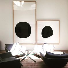 Gretchen says: This striking gallery wall speaks volumes quietly. It would be qu… Gretchen says: This striking gallery wall speaks volumes quietly. It would be quite boring if there was just one. Decoration Inspiration, Interior Inspiration, Decor Ideas, Room Ideas, Design Inspiration, Design Ideas, Alternative Kunst, Art Blanc, Black And White Artwork