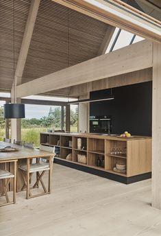 Küchen Design, House Design, Nordic Design, Scandinavian Design, Home Interior Design, Interior Decorating, Open Plan Kitchen Dining Living, Gable House, Contemporary Cottage