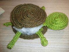 schildpadje punniken Spool Knitting, Hand Knitting, Crochet Baby, Knit Crochet, Knit Animals, Round Loom, Knifty Knitter, Hand Sewing Projects, Needlecrafts