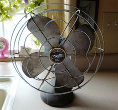 Eskimo Oscillating Electric Table Fan * Antique