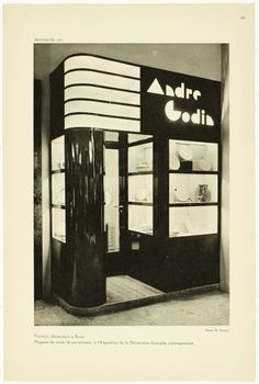 Window Shop in Art Deco Paris through Photographs Dug up from the French Archives Art Deco Furniture, Furniture Logo, Metal Furniture, Bauhaus, Art Nouveau, How To Clean Furniture, Furniture Cleaning, Streamline Moderne, Art Deco Buildings