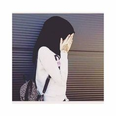 Shared by 𓆩 🖤 رانيـآ 𓆪. Find images and videos on We Heart It - the app to get lost in what you love. Stylish Hijab, Hijab Chic, Arab Girls Hijab, Muslim Girls, Stylish Girls Photos, Stylish Girl Pic, Beautiful Muslim Women, Beautiful Hijab, Hijabi Girl