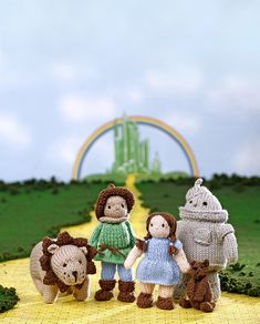 Frank Baum's Wizard of Oz characters Dorothy, Scarecrow, Tin Man, Cowardly Lion and Toto, the dog. Wizard Of Oz Cast, Wizard Of Oz Characters, Cowardly Lion, Tin Man, Knitted Dolls, Ravelry, Baby Dolls, It Cast, Christmas Ornaments