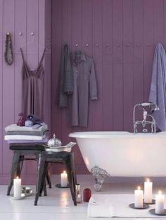 grape juice Purple / Violet interior home deco Purple Home, Purple Bathrooms, Dream Bathrooms, Beautiful Bathrooms, White Bathroom, Bathroom Interior, Master Bathroom, Purple Interior, Design Apartment