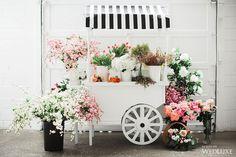 Wedding Floral Trends to Avoid Inspiration from New York Top Florists Verve Event Co Flower Truck, Flower Bar, Oc Pokemon, Flower Shop Interiors, Flower Shop Design, Floral Design, Flower Market, Flower Shops, Flower Stands