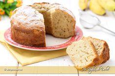 Ciambellone alla banana ricetta facile e veloce anche per consumare le banane mature. Un dolce morbido, profumato e gustoso per la colazione e la merenda.