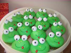 frog cupcakes   Flickr - Photo Sharing!