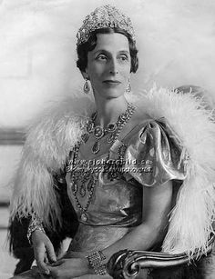 Crown Princess Louise wearing the Braganza Tiara.  Unlike some of the family jewels that have been used by a wide variety of Swedish royal ladies, this one has always been held for queens. The exception is the future Queen Louise, who wore it as a crown princess; she wore it to the coronation of King George VI and Queen Elizabeth in Britain in 1937.