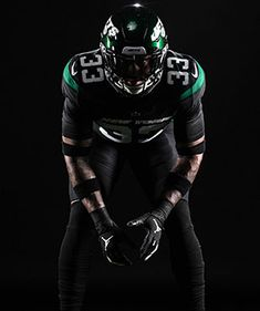 The New York Jets have a brand new look! From helmets to logo to jerseys, check out their latest uniform reveal. Football Poses, Football Banner, Jets Football, Football Uniforms, Football Outfits, Football Pictures, Football Players, Alabama Football, Football Helmets